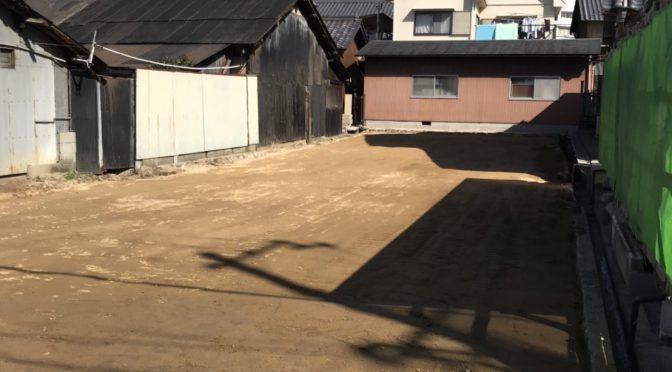 宇陀市榛原元萩原にて建物解体工事